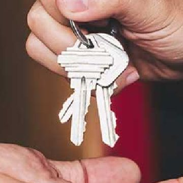 Thumbnail for Nearly 70% of Home Sellers Willing to Accept Lower Offer Price